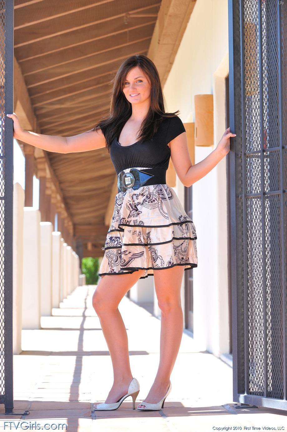http://content9.novoglam.com/ftvgirls.com/6701/14.jpg