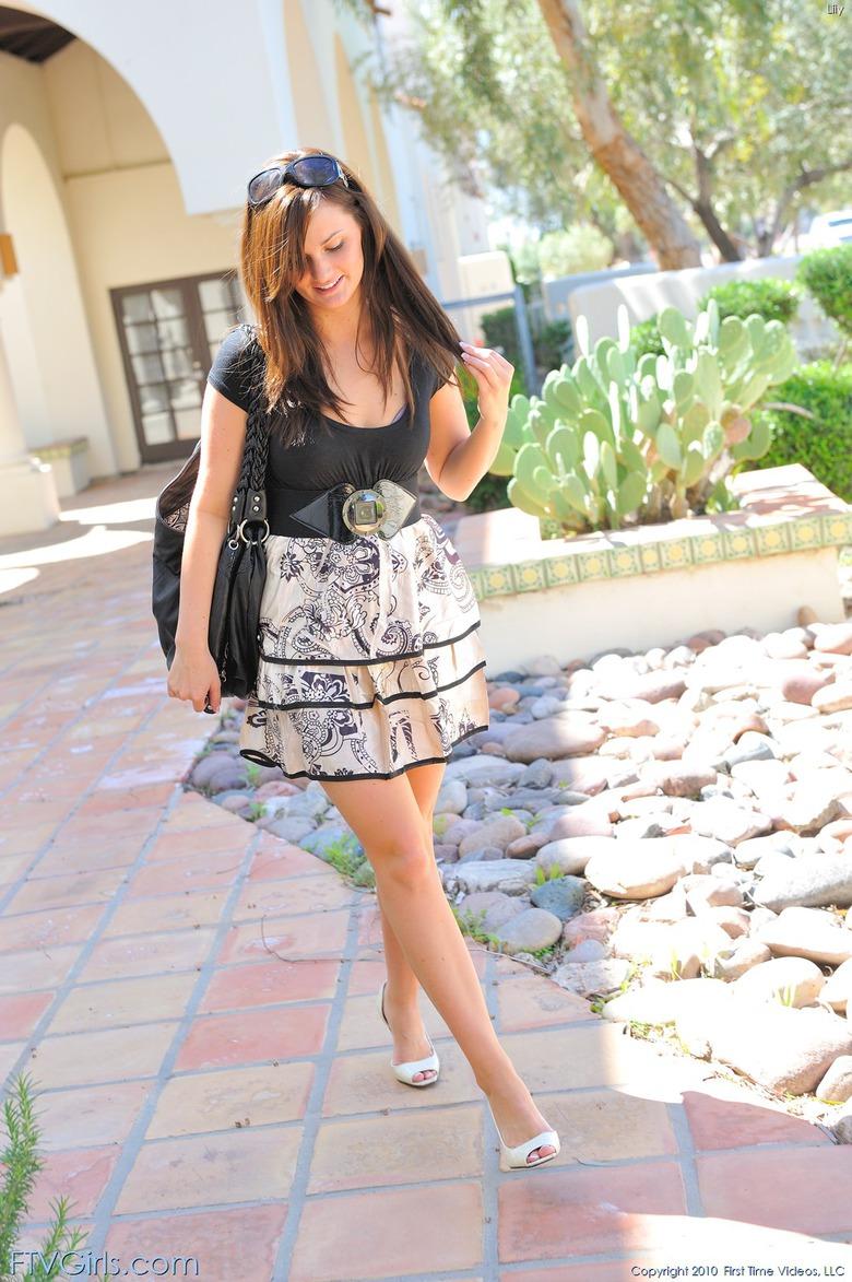 http://content9.novoglam.com/ftvgirls.com/6702/01.jpg