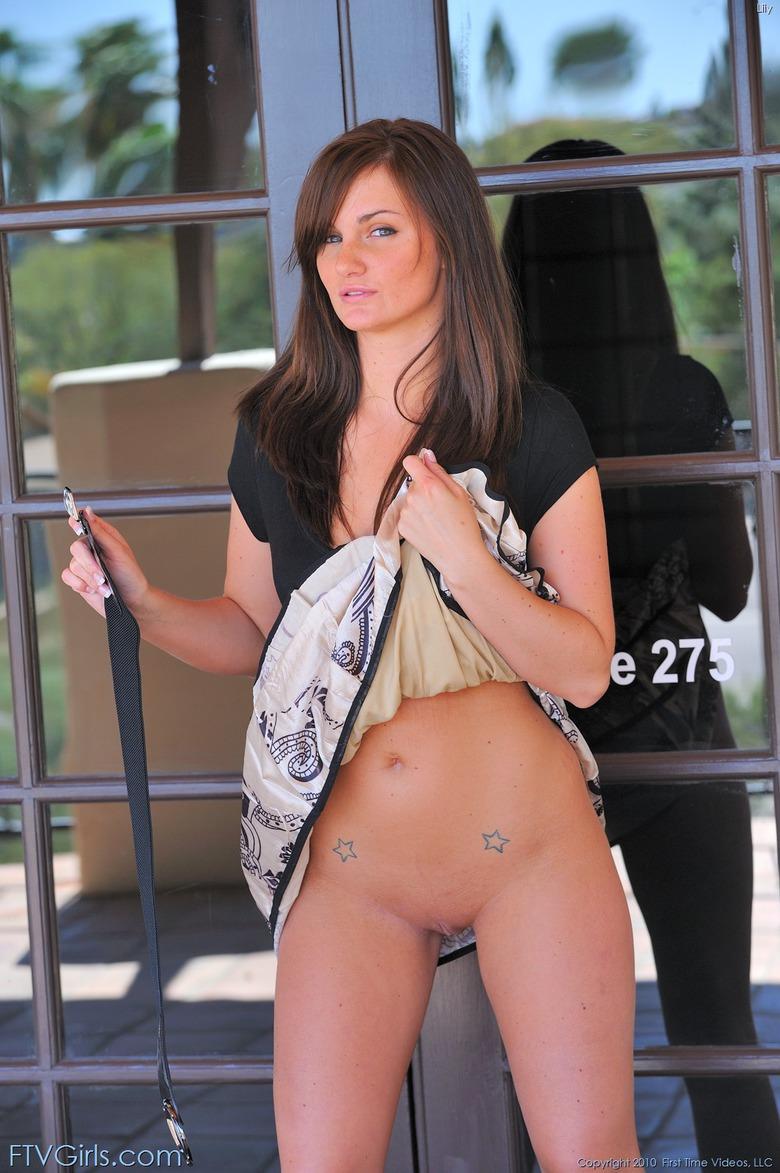 http://content9.novoglam.com/ftvgirls.com/6702/18.jpg