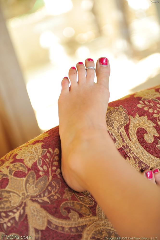 http://content9.novoglam.com/ftvgirls.com/6710/16.jpg