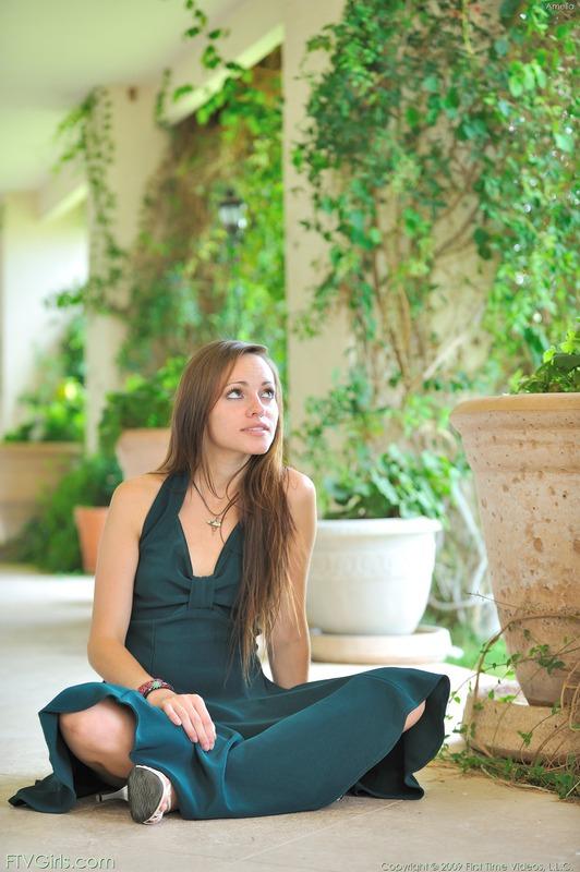http://content9.novoglam.com/ftvgirls.com/6714/07.jpg