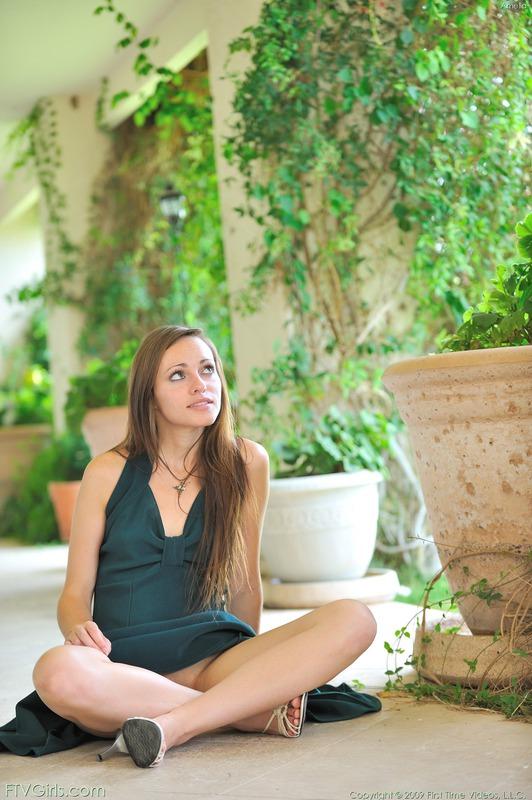 http://content9.novoglam.com/ftvgirls.com/6714/08.jpg