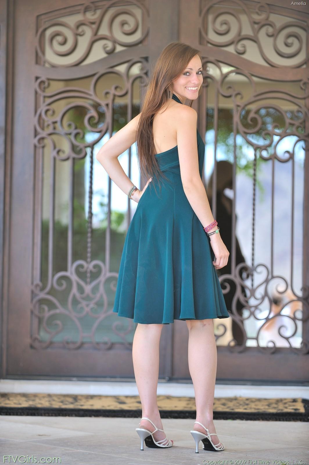 http://content9.novoglam.com/ftvgirls.com/6716/02.jpg
