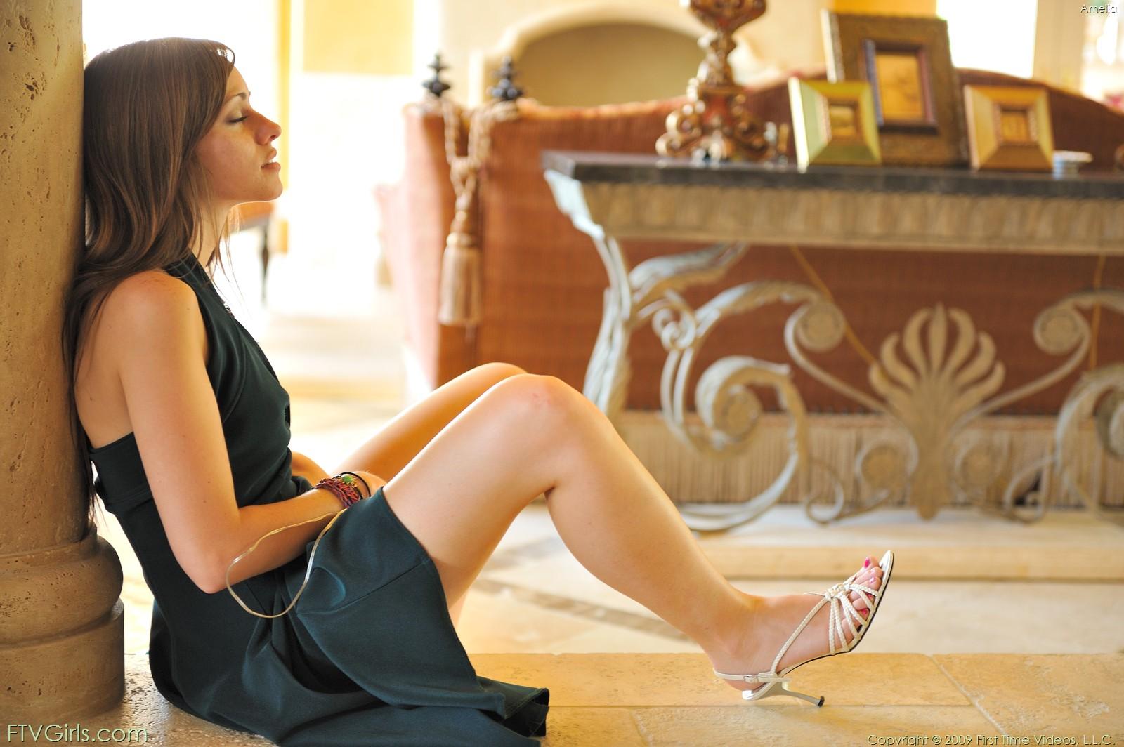 http://content9.novoglam.com/ftvgirls.com/6716/17.jpg