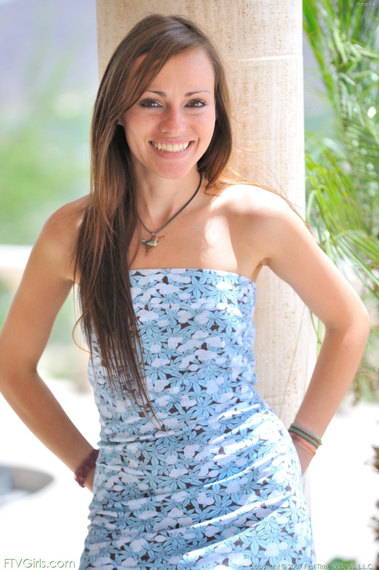 http://content9.novoglam.com/ftvgirls.com/6722/01.jpg