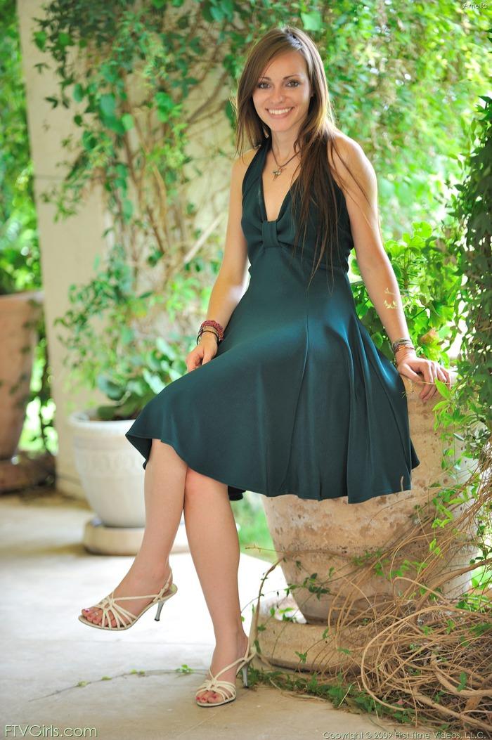 http://content9.novoglam.com/ftvgirls.com/6727/03.jpg