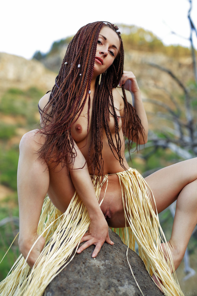 white-girl-naked-with-dreadlocks