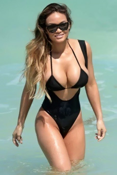Busty Celebrity Daphne Joy In The Sea